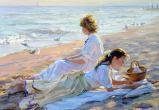 Девушки у моря